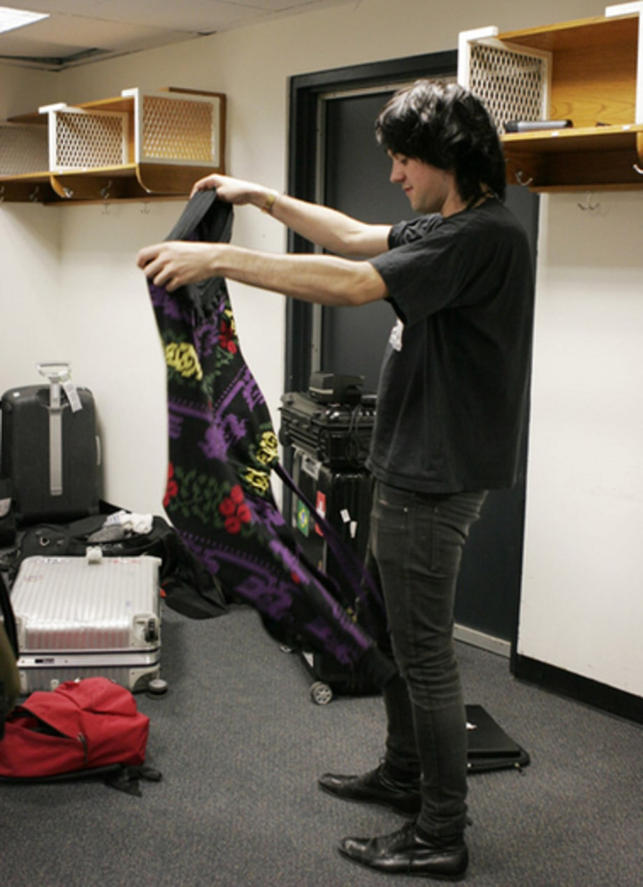Klaxons Backstage: Steffan gets dressed