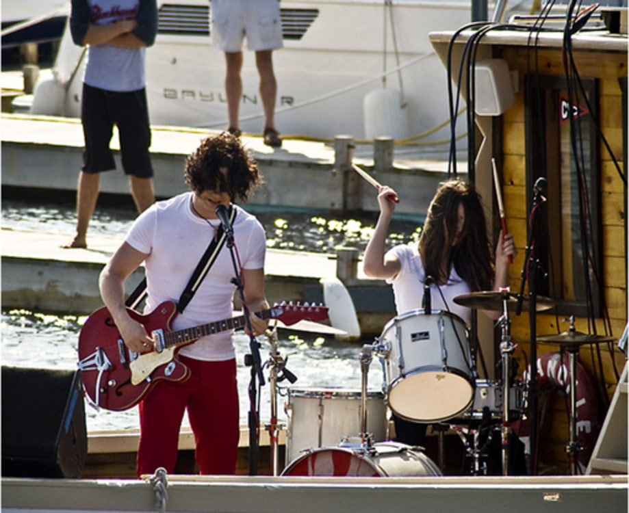 7/11/07: The White Stripes Concert Series: On a Boat