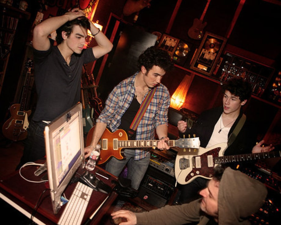 In the Studio - SAP 2009: JONAS BROTHERS
