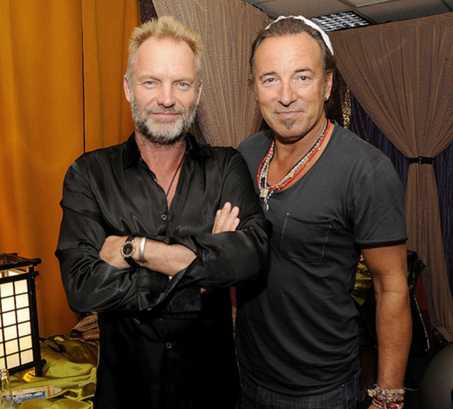 Police FINAL SHOW: Back sting bruce