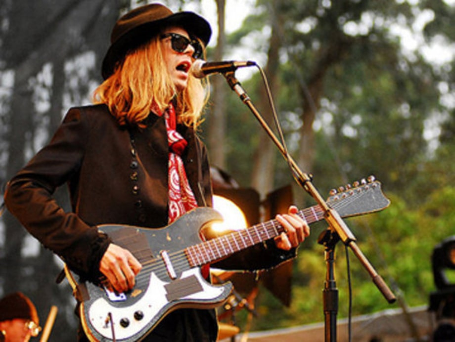 Outside Lands: 1: Beck2
