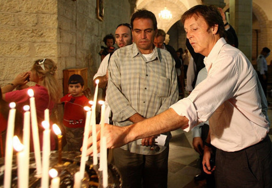Paul McCartney in Israel: candle