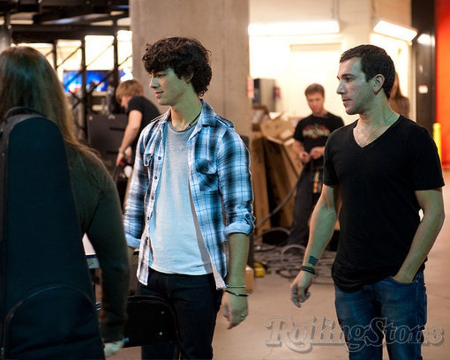 Jonas Brothers in Dallas: Joe Jonas backstage