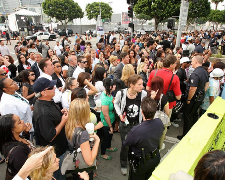 Michael Jackson Memorial: Crowds gather