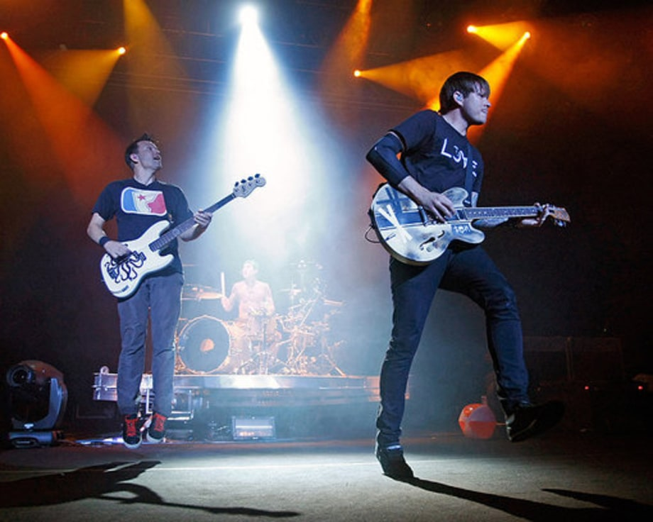 Blink 182 Reunion Tour Opener: band jump