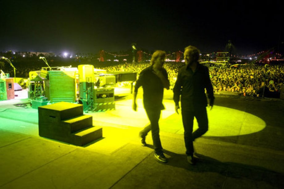 Phish Festival 8: Crowd,Trey and Page (oct 30)