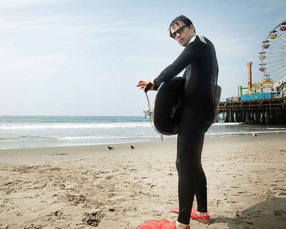 Rivers Cuomo's Day at the Beach: Facing ferris wheel