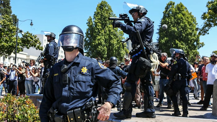 Berkeley police get pepper spray for violence