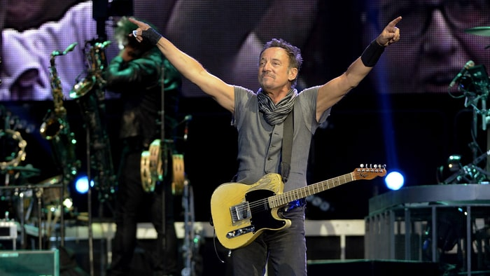Inside Bruce Springsteen's Favorite Guitar news