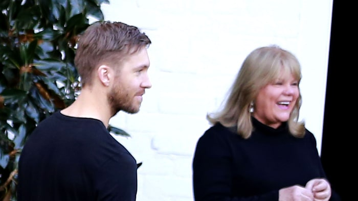 Calvin Harris Jokes With Taylor Swift's Mom Andrea: Cute ...