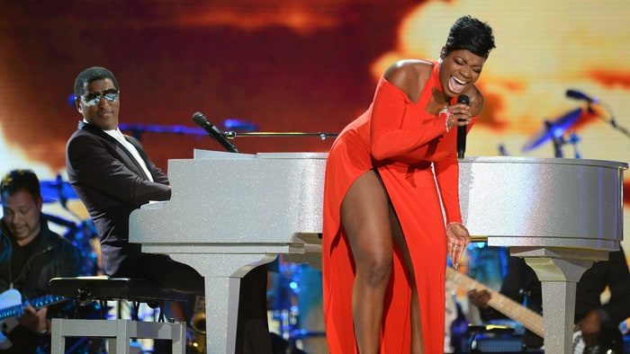 How R. Kelly Inspired Fantasia's Triumphant Rock Soul Return news