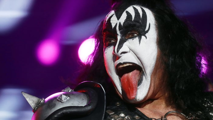 gene simmons announces 2 000 box set 39 the vault 39 rolling stone. Black Bedroom Furniture Sets. Home Design Ideas