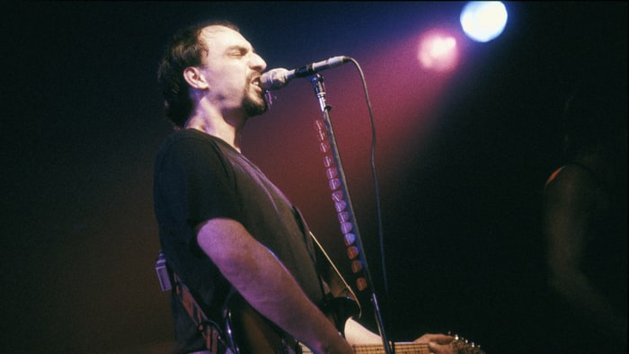 Pat DiNizio of The Smithereens dies at age 62