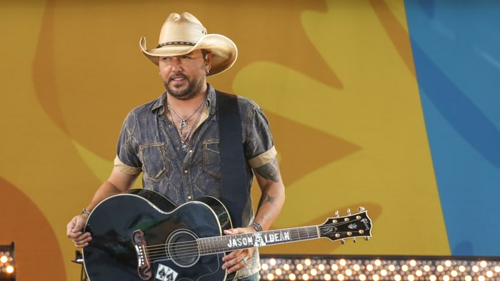 Jason Aldean Takes Fans Behind the Tour Scenes in 'Lights Come On' Video news