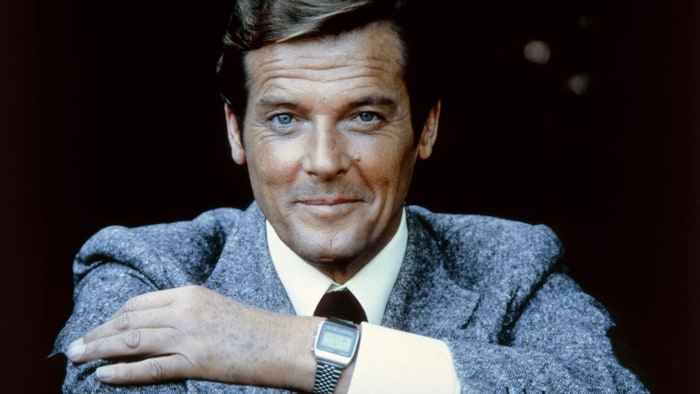 James Bond's Sir Roger Moore dies at 89