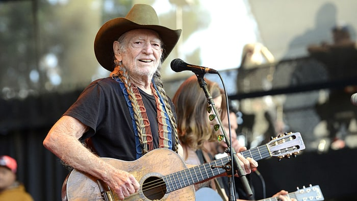 Willie Nelson, Paul Simon, James Taylor, More Set for Hurricane Relief Benefit