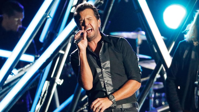 Luke Bryan Extends Kill The Lights Tour Into 2017 Rolling Stone