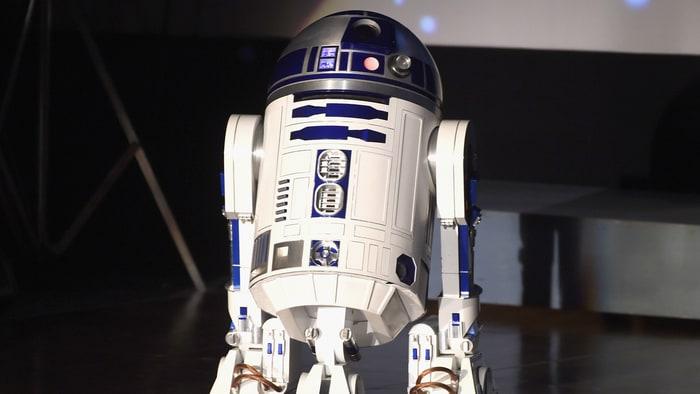 A droid bidder snaps up Star Wars' R2-D2 at LA auction