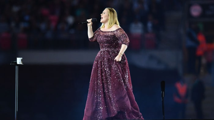 Adele cancels last two shows, citing vocal cord damage
