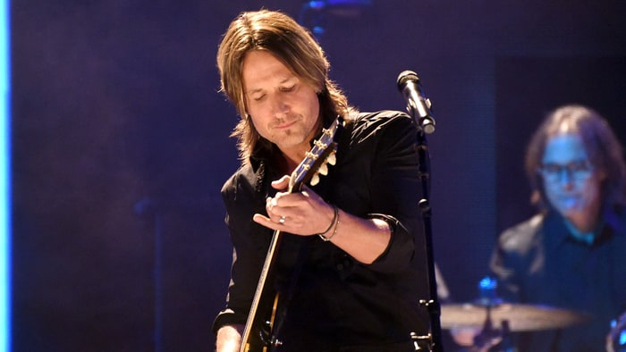 Keith Urban to debut song about Weinstein