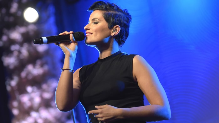 Watch Ne Yo and Nelly Furtado Perform National Anthems at the 2016 NBA All Star Game news