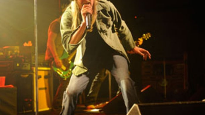 Warner music group loses 18 million rolling stone for Kid rock 3rd annual fish fry
