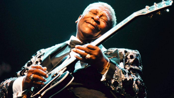on the bus with b b king rolling stone. Black Bedroom Furniture Sets. Home Design Ideas