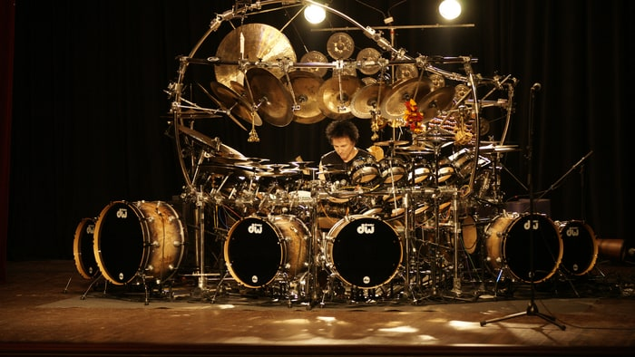 http://img.wennermedia.com/article-leads-horizontal/rs-165899-TERRY-BOZZIO-2014-Press-Photo-photo-by-Andr-OzgaDSC1193.jpg