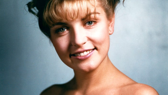Laura Palmer S Twin Peaks House Up For Sale Rolling Stone
