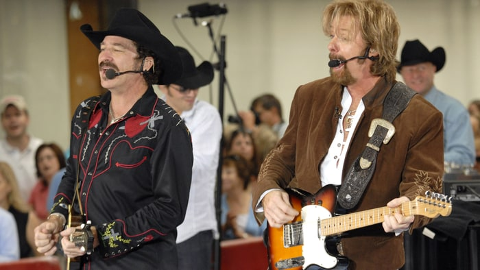 brooks and dunn essay Home - welcome to toshiba - toshiba's start experience including trending news, entertainment, sports, videos, personalized content, web searches, and much more.