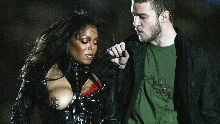 Janet Jackson's boob peeked public in 2004 during a performance