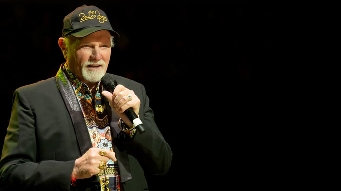 Hear Mike Love's Spirited, Bittersweet New Christmas Song ...
