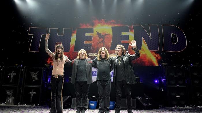 Mira a Black Sabbath tocar