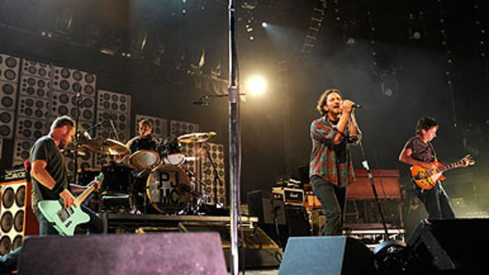 Pearl Jam Reward Fans With Epic Two Day Festival Rolling