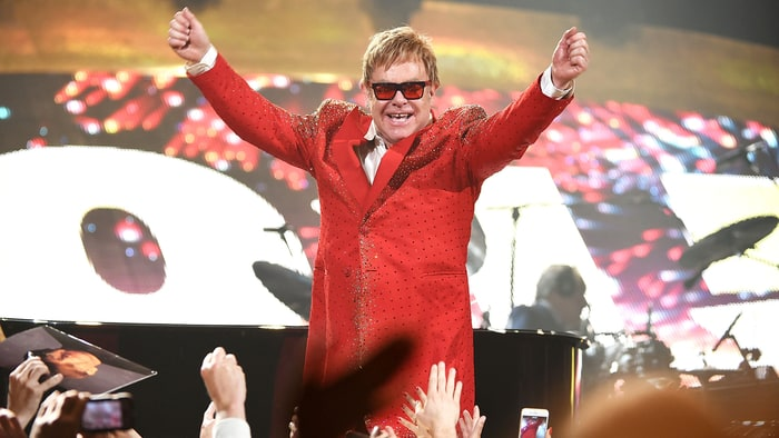 Flashback: Elton John Sings 'Imagine' in Central Park news