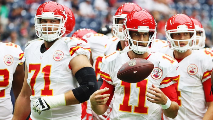 Chiefs blitz Raiders in second quarter