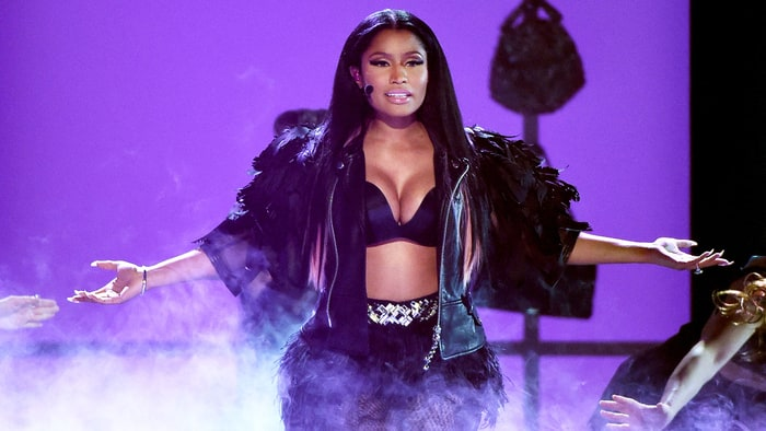 Nicki Minaj Tells Men at TIDAL's Benefit Concert Not to 'Get Stuck With a Motherf***ing Melania' news