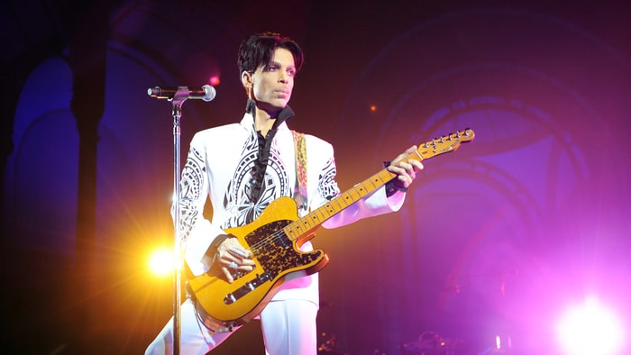 Minnesota Twins Pay Tribute to Prince With Purple Lit Stadium news