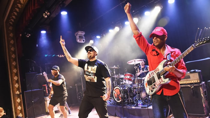 See Black Keys, Cage the Elephant Members Join Prophets of Rage Onstage news