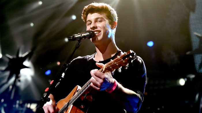 Shawn Mendes Mercy music videos 2016