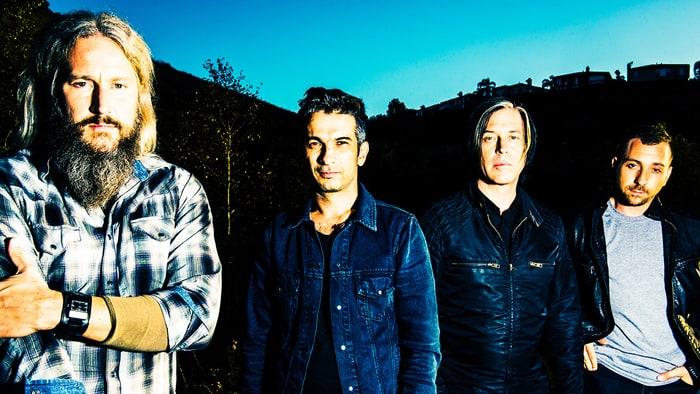 Группа Queens Of The Stone Age записывает новый альбом