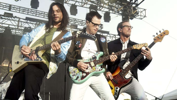 Weezer's Rivers Cuomo on Reviving the Spirit of the Nineties, Joining Tinder news