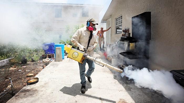 Hillary pide recursos contra el Zika