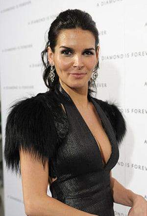 Angie Harmon earned a  million dollar salary, leaving the net worth at 20 million in 2017