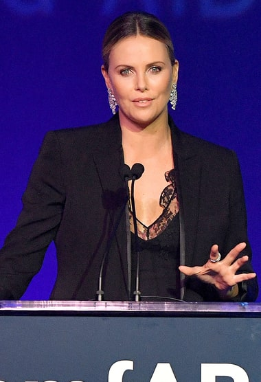 Charlize Theron Jokes 'I am Very Fat Right Now' - Us Weekly Charlize Theron Weight