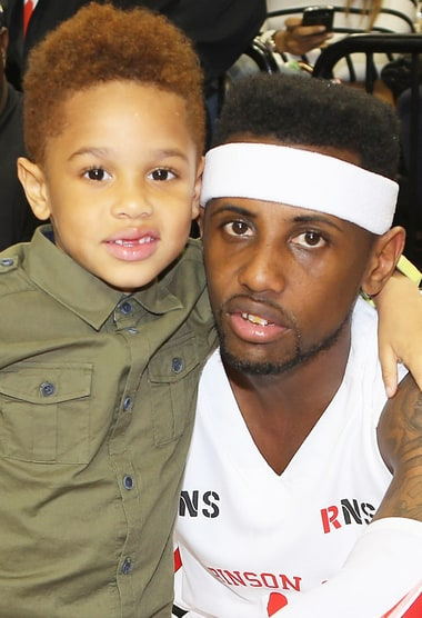 Rap great gift 7 year-old son two replica watches totaling $ 34,000