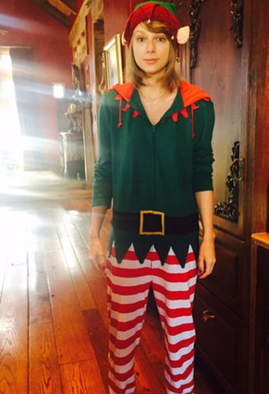 Taylor Swift Wears an Elf Onesie, Goes Without Makeup ...