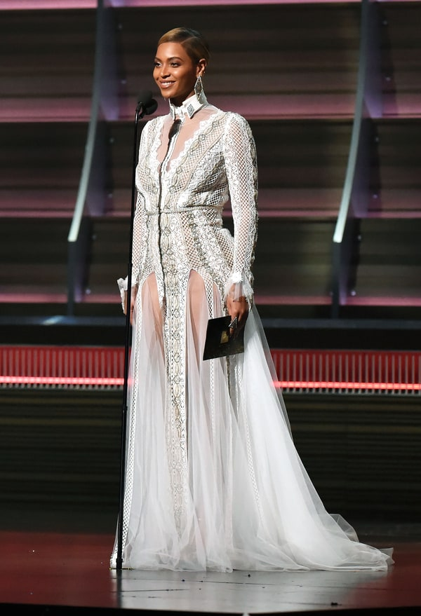 Beyonces Grammys 2016 Gown Was Actually A Wedding Dress