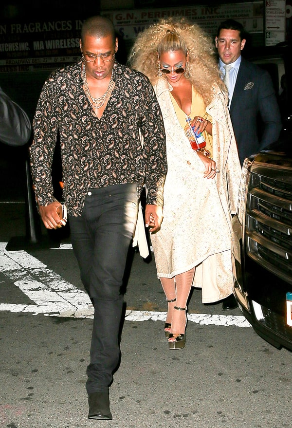 Beyonce Jay Z Dance At Her 70s Themed 35th Birthday