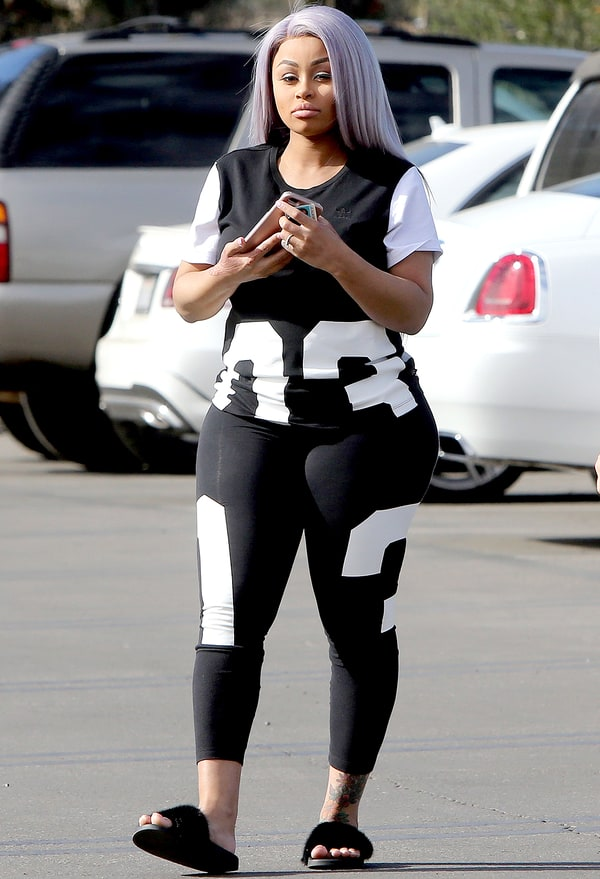 Blac Chyna Denies Surgery Rumors After Giving Birth to ...